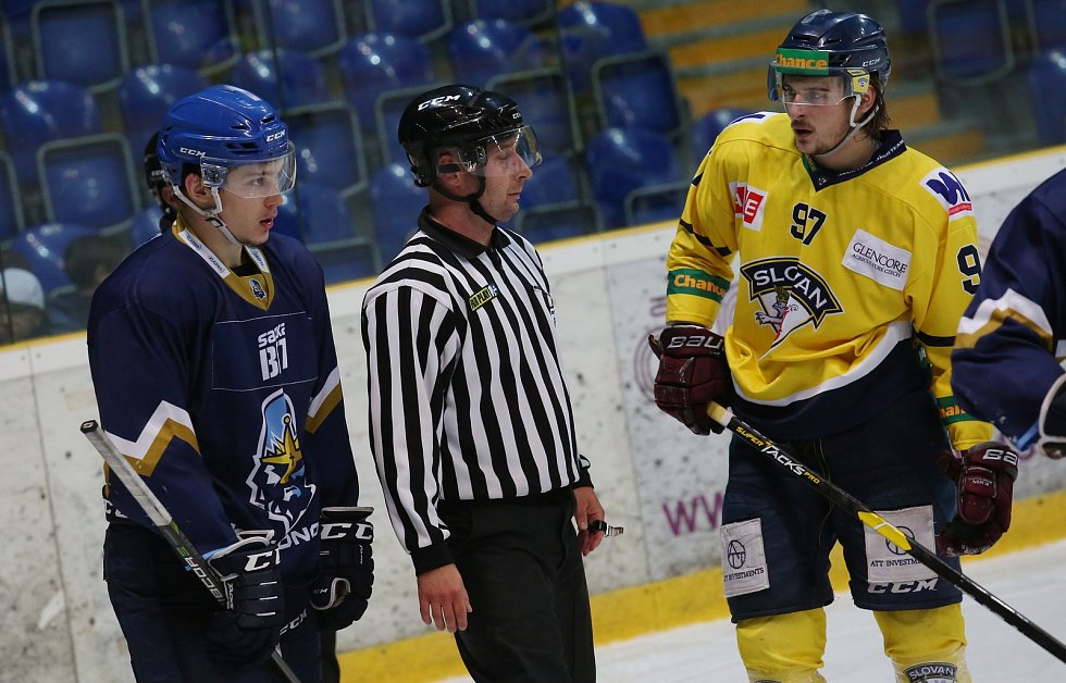 Přátelské hokejové utkání mezi Ústím a Kladnem sledoval na střídačce i Jaromír Jágr