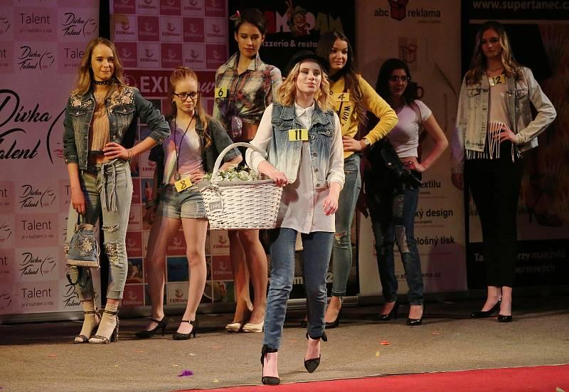 Soutěž Dívka Talent 2018 v Domě kultury v Ústí zahájila celou sérii soutěží v ČR.