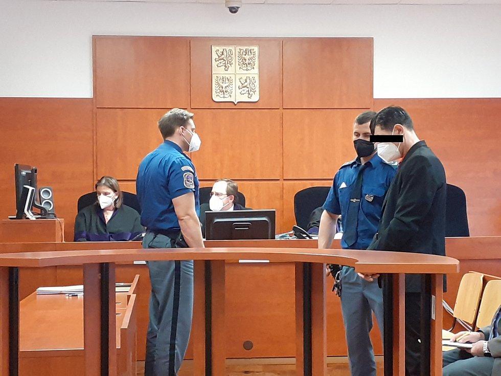 Rodilý Rus z Chomutovska u ústeckého soudu ve středu 24. března.