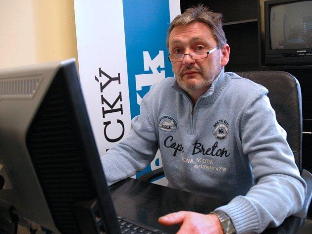 Jiří Madar v redakci Ústeckého deníku.