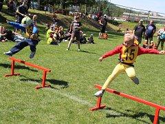 Děti  ve věku 3 až 6 let soutěžily v požárním sportu v neděli dopoledne na hřišti ve Svádově.