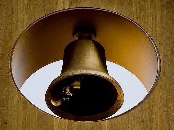 Zvon zvoničky v Atriu magistrátu.