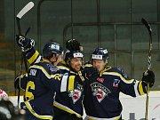 Ústečtí hokejisté (žlutí) doma prohráli s Jihlavou 5:6 v prodloužení.