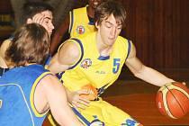 V pohárovém duelu v Hradci si poranil prst ústecký Adam Žampach (5). Jeho nedělní start v Opavě je ohrožen.