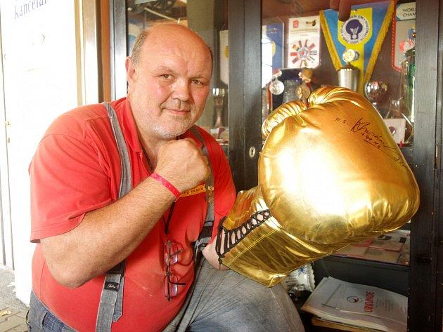 Boxer Ladislav Husárik.