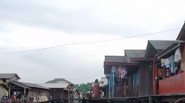 Lidé z třetího světa hledají v Evropě lepší život. Ilustrační foto z ostrova Borneo.