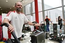 Obchodní centrum Forum otevřelo ve svých prostorách nový obchod se sportovním vybavením Intersport. Na snímku je Michal Wais.