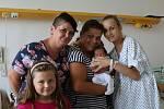 Adam Ištok se narodil Tereze Petrbokové z Ústí nad Labem 28. srpna v 1.15 hodin v Ústí nad Labem. Měřil 50 cm, vážil 3,57 kg