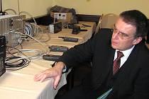 Ministr dopravy Zdeněk Žák se zúčastnil spouštění systému GSM – R na trati z Děčína do Kolína.