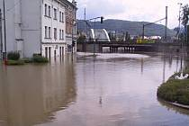 Tak vypadalo Předmostí při velkých záplavách v roce 2002. Archivní foto