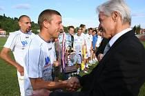 Před měsícem slavil kapitán Jan Martykán s týmem Army vítězství ve 2. lize, pokud si však zahraje prvoligovou soutěž, bude to v kádru Slovácka, kde momentálně trénuje.