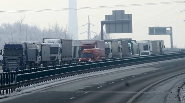 Ucpaná dálnice. Ilustrační foto