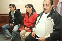 Romové, kteří prodávali své děti pedofilům z Německa, odešli od soudu jen s podmínkou.