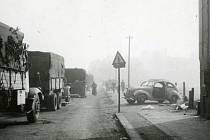 V posledních dnech války smrt a těžké zranění na silnicích lidi postihlo velmi často. Přecpané a ucpané silnice utíkající německou armádou, v jízdě překážely trosky, občas silnice pokropily z kanonů a kulometů piloti stíhaček.