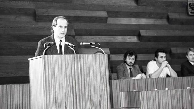 Jednání na ústeckém magistrátu v roce 1990.