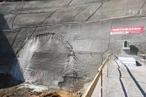 Prackovický dálniční tunel je již proražen.