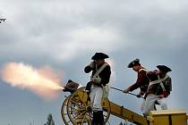 Hřmění z kanonů provázelo bojiště po celou moderní historii válečnictví a síla artilerie v sedmnáctém století v mnoha případech předem určila, kdo v bitvě zvítězí. Její udržování bývalo velmi nákladné a tak děla patřila k vítané kořisti.