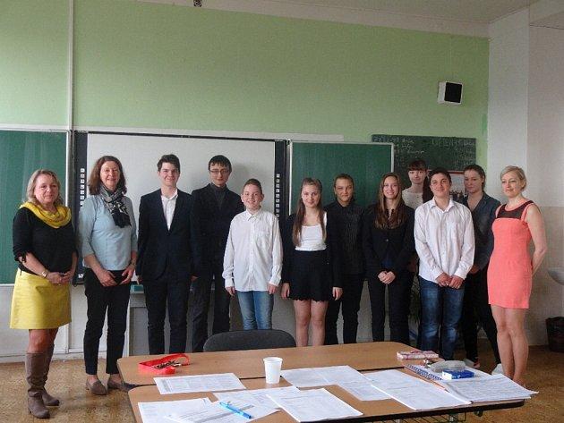 Žáci 9. ročníku ZŠ SNP 6 úspěšně složili mezinárodně platnou zkoušku Deutsches Sprachdiplom.