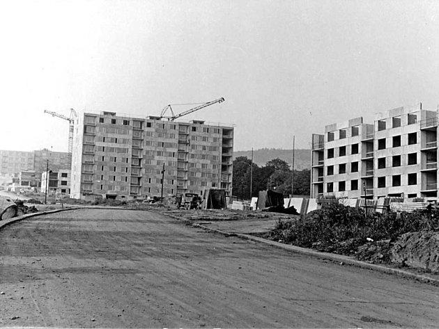 Tak rostlo sídliště na Skřivánku v letech 1964 – 65