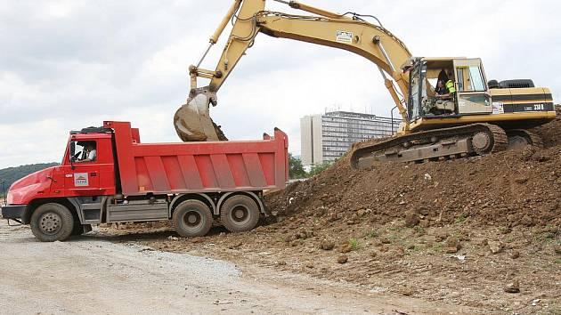 Na výstavbě sportoviště se podílí i společnost Istar.