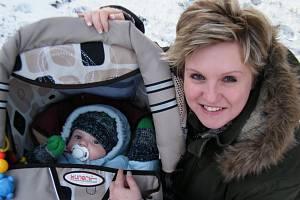 Veronika Černucká s malým synkem.