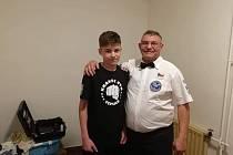 Trenér SK Box Chlumec Roman Rusňák (vpravo).