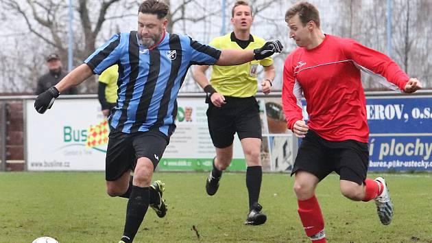 FK Chuderov (modročerní) - TJ Střekov (červenočerní) I.A třída 2019/2020 - dohrávka 1. kola 23.11. 2019 v Chuderově.