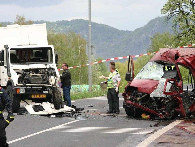 Smrtelná nehoda u Olšinek na Ústecku