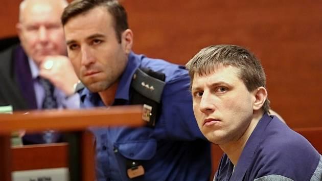 U Krajského soudu v Ústí nad Labem stanul Jaroslav Š. pro těžké ublížení na zdraví s následkem smrti a pobodání člověka.