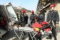 Ústečtí dobrovolní hasiči jsou připraveni pro mimořádný výjezd.