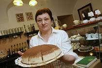 Dort Říp si Jaroslava Michalcová vymyslela. Má úspěch, stejně jako další sladkosti, které vznikají z kvalitních surovin podle osvědčených receptů z dob našich prababiček.