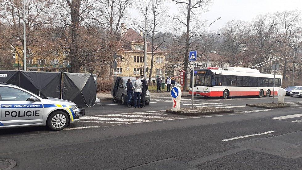 Tragická nehoda v Masarykově ulici v Ústí nad Labem, kde automobil srazil a usmrtil seniorku