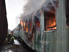 Požár vagónů na nádraží Ústí nad Labem západ