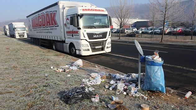 Průmyslová zóna v Předlicích v místech kde parkují kamiony v lednu 2019