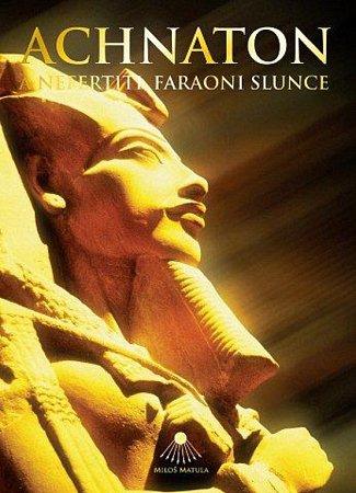 Obálka knihy Achnaton.