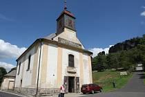 Kostel sv. Anny v Tisé.