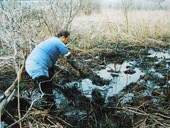 K vraždě došlo v roce 1991 a kosti zavražděného našli rybáři až 27. dubna 1997.