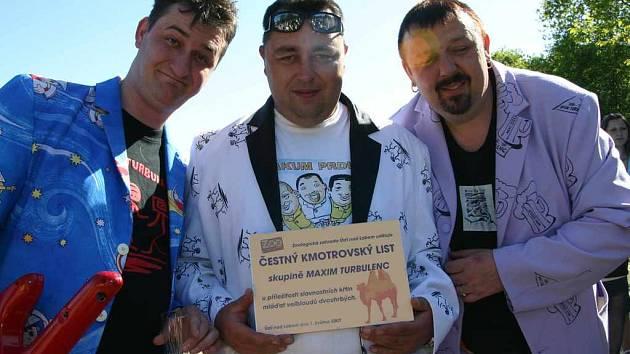 Stejně jako ředitelka Českého rozhlasu Sever, tak i zpěváci ze skupiny Maxim Turbulenc se stali kmotry.