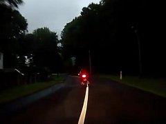 Honička policistů s motorkářem u Chlumce.