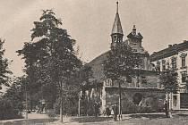 Fotografie kostela byla pořízena před zboření stavby ústeckým fotografem Augustem Ottou.