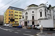Polyfunkční dům vedle ústeckého divadla.