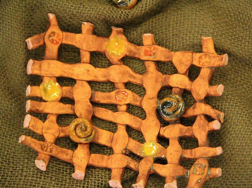 Předškoláci z MŠ Karla IV. dostali medvídky i vysvědčení za keramiku.