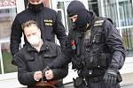 Soud poslal 56letého muže, co přepadl banku v centru Ústí nad Labem, do vazby.