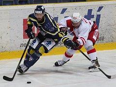 Ústečtí hokejisté (modří) doma podlehli Slavii 1:2 v prodloužení.