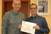 Nadace Renesance podporuje studenty ze severu Čech. Dosud ve třech grantových kolech mezi 19 vybraných mladých lidí rozdělila jeden milion korun. Založil ji ústecký podnikatel Martin Hausenblas.