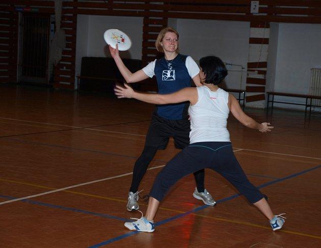 Ultimate frisbee je už i v Ústí.