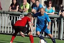 Fotbalisté Brné (červení) zvítězili v Jílovém 1:0.