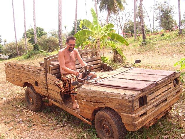 Jiří Hrachovec z Děčína cestuje po ostrově Ko Mak v Thajsku.