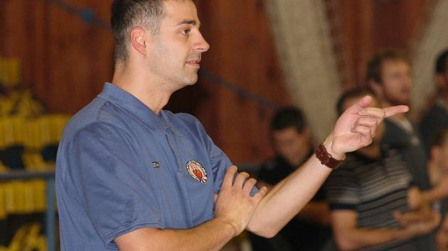 Trenér basketbalistů Ústí Martin Stavěl.