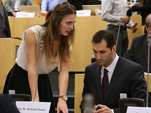 Vysokoškolská studentka Tereza Hyťhová (SPD) z Krupky je nejmladší krajskou zastupitelkou v České republice.